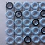 2.-Escribe las 6 primeras letras en las anillas marcadas