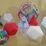 Vitrina de Divermates_Hechos con pajitas, bastoncillos de los oídos o nuestra impresora 3D